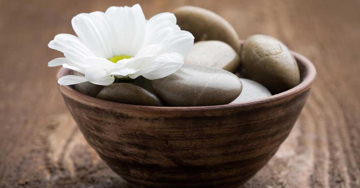 Pedras quentes de massagem